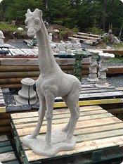 Attrayant Mother Giraffe Concrete Statue